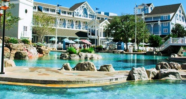 Beach and Yacht Club Pool