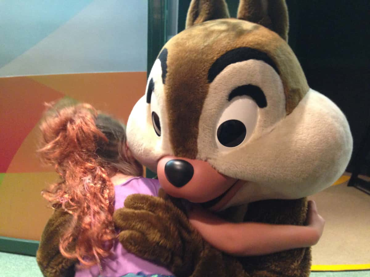 Disney Character Dining 101—Where to Find Your Favorite Disney Pals ...