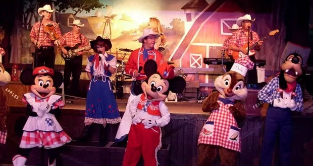 a look at 3 of disney world s dinner shows which one is right for you