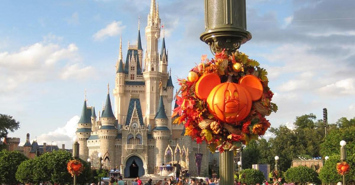 10 things nobody tells you about visiting walt disney world around halloween - Disney World Halloween Decorations