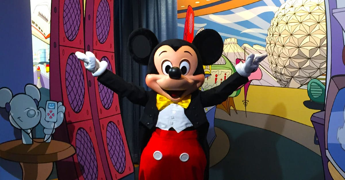 10 Things They Don T Tell You About Meeting Walt Disney