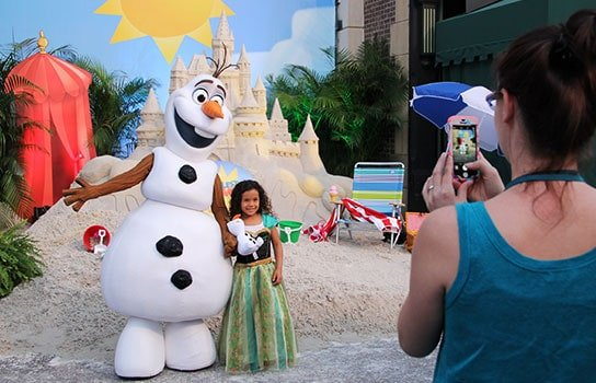 Olaf Character Greeting