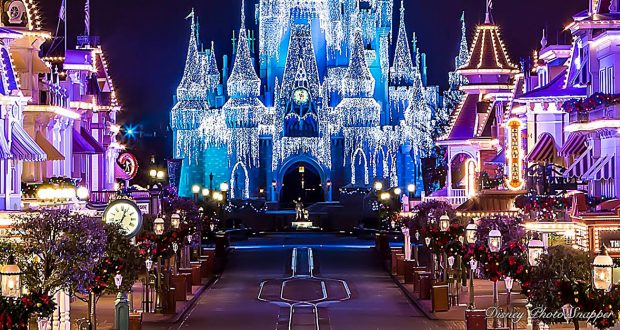 disney christmas lights - When Does Disneyland Decorate For Christmas 2018