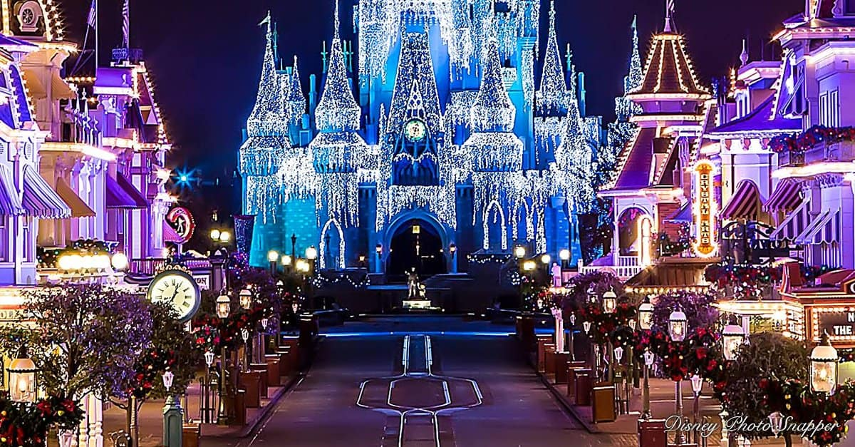 disney christmas lights - When Does Disneyworld Decorate For Christmas