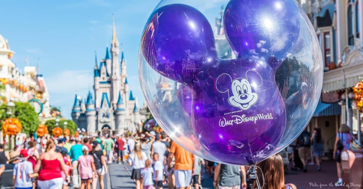 Main Street USA_Purple balloon