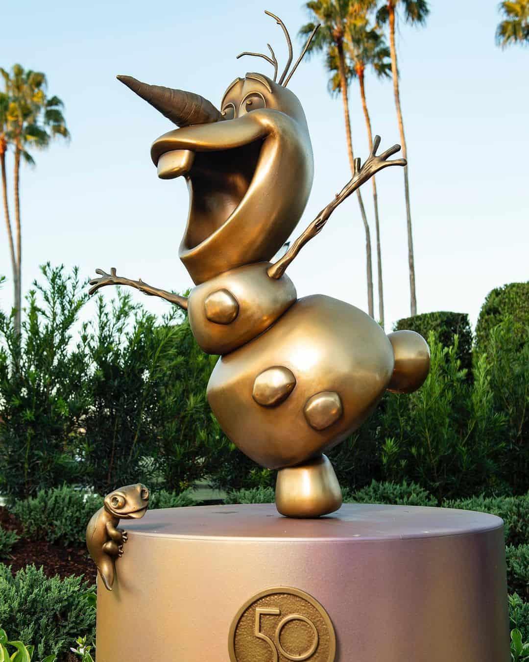 Olaf fab 50 epcot statue